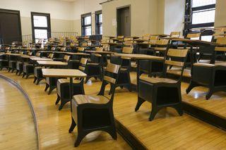 Classroom_desks